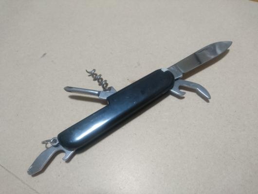 【100均】8徳ポケットナイフの見た目